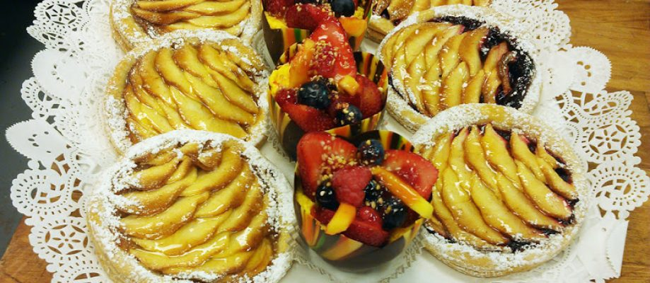 apple-&-strawberry-pastries-price-cut-off